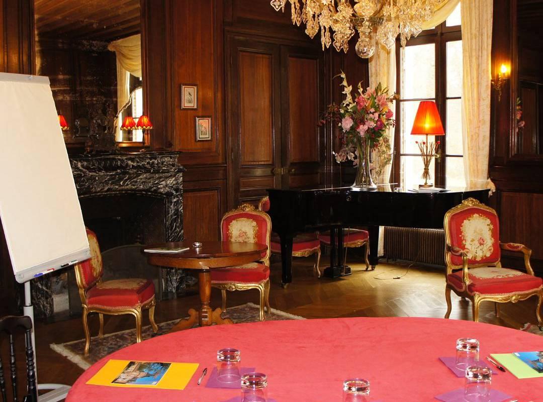 Seminar in a castle in France