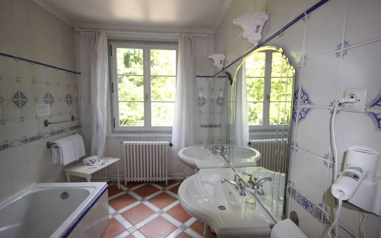 Hotel suite near Orléans France, Château les Muids