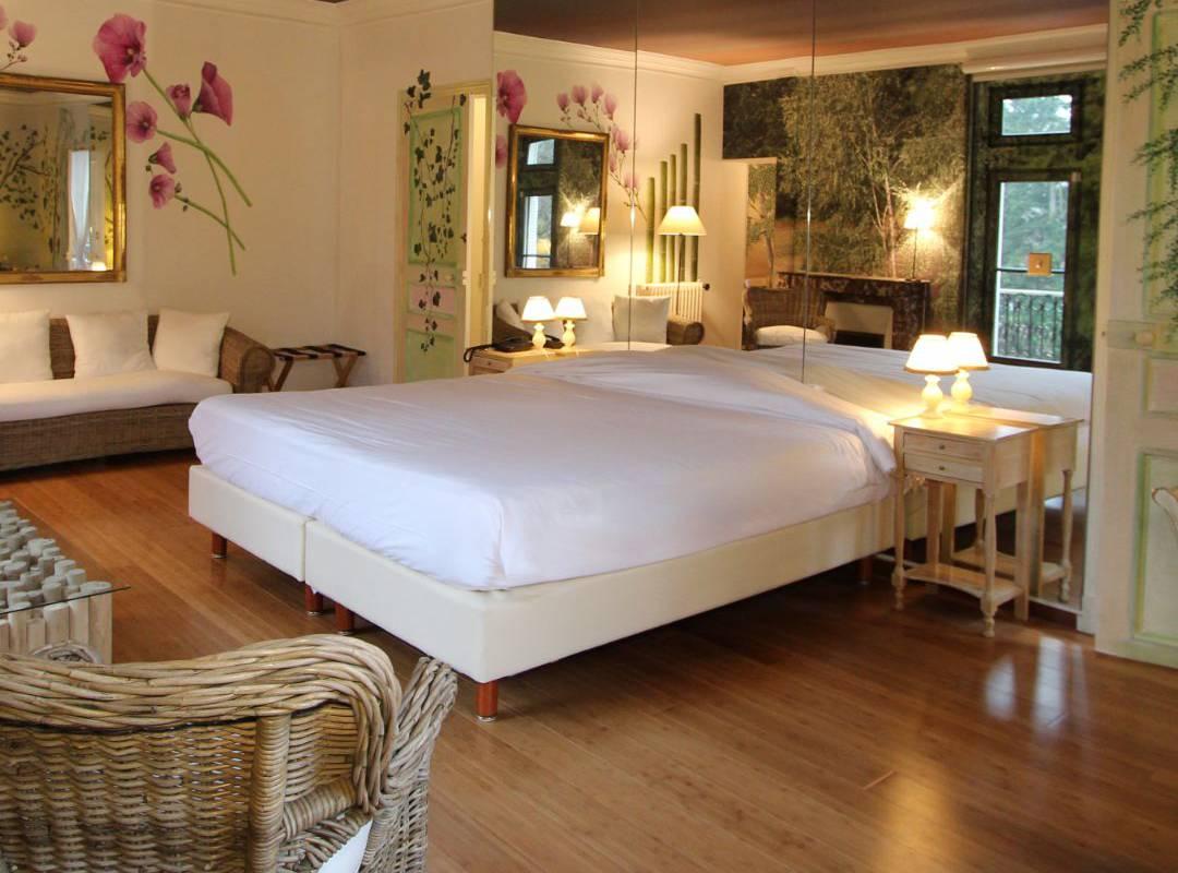 Hotel room near Orléans