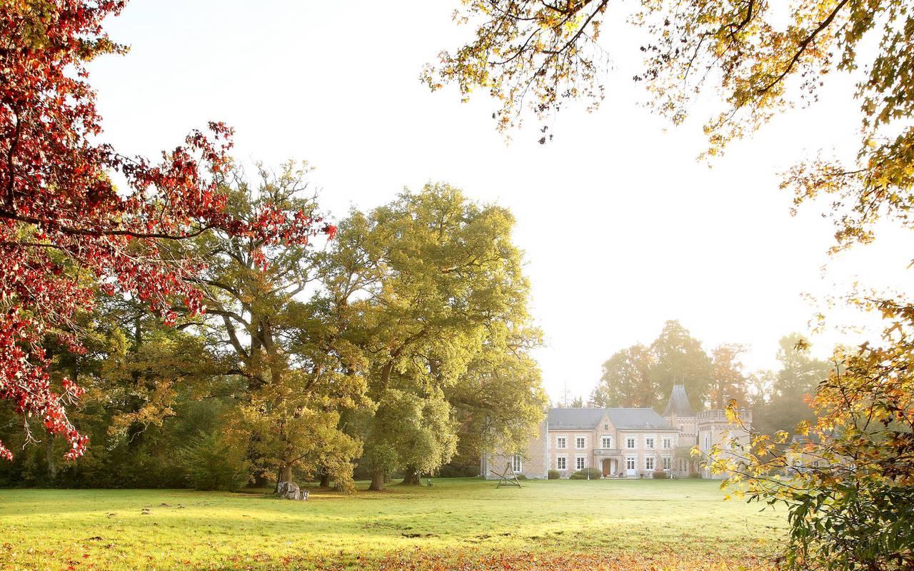Chateau hotel en Sologne vu du parc
