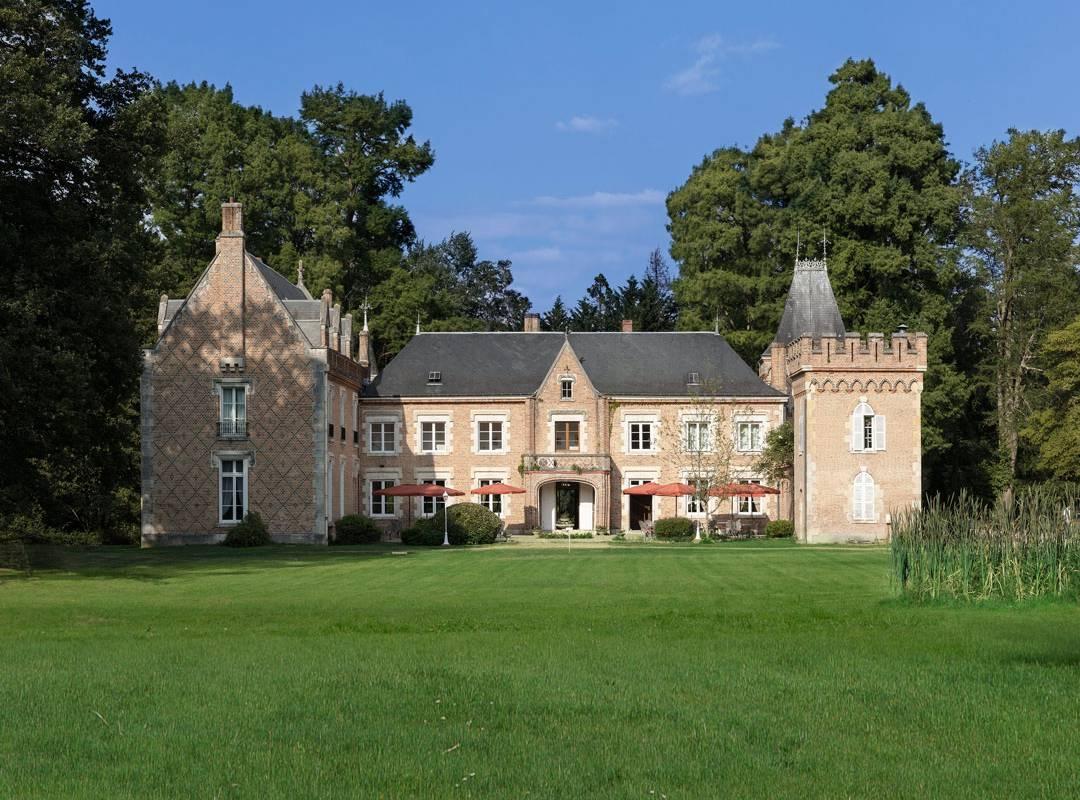 Chateau Hotel La Ferté Saint Aubin